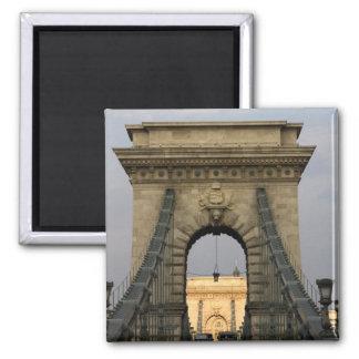 Szechenyi lanchid Szechenyi Chain Bridge), Magnet