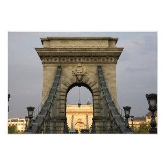 Szechenyi lanchid Szechenyi Chain Bridge), Photograph