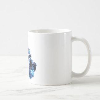 T alto en azul taza