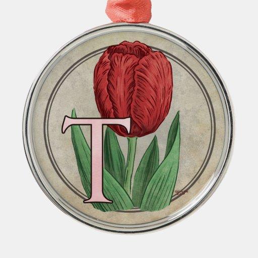 T para el monograma de la flor de los tulipanes adorno navideño redondo de metal