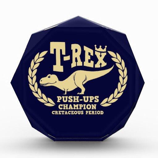 T-Rex ama pectorales