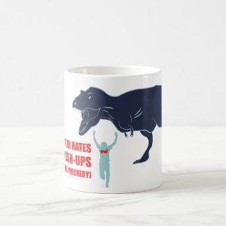 T-Rex odia pectorales y la taza de café de la mofa