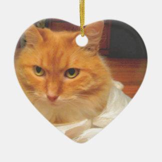 Tabby anaranjado adorno navideño de cerámica en forma de corazón