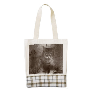 Tabby Cat Lounging Outside, Grunge Zazzle HEART Tote Bag