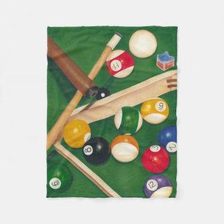 Tabla de billares realista con las bolas y la tiza manta de forro polar