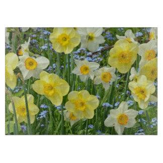 Tabla de cortar amarilla de la impresión floral de