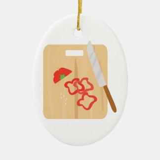 Tabla de cortar de la pimienta adorno navideño ovalado de cerámica