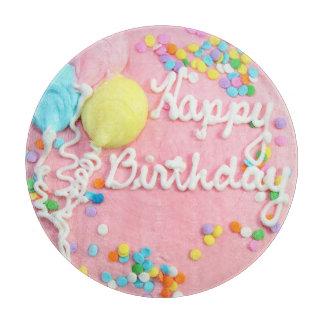 Tabla de cortar de la torta del feliz cumpleaños
