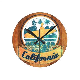 Tabla hawaiana de California Reloj Redondo Mediano