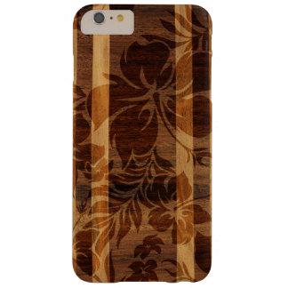 Tabla hawaiana de madera de la playa de Keokea Funda De iPhone 6 Plus Barely There