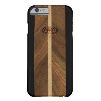 Tabla hawaiana de madera hawaiana del punto rocoso funda para iPhone 6 barely there