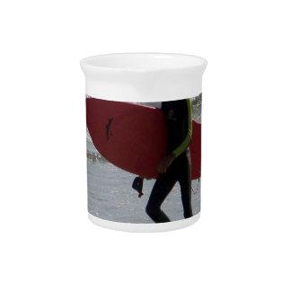 Tabla hawaiana roja jarrón