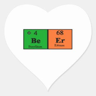 Tabla periódica de la cerveza pegatina en forma de corazón