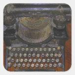 Tabla vieja del rojo de la máquina de escribir pegatina cuadradas personalizada