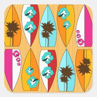 Tablas hawaianas en el tema de la playa del verano pegatina cuadrada