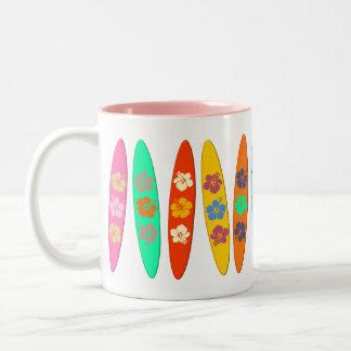 Tablas hawaianas florecidas tazas de café