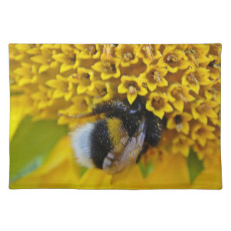 Table set industrious bumblebee placemat
