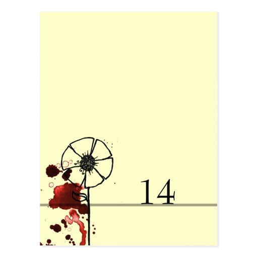 Tablecard enturbiado del rojo de las flores postal