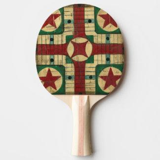 Tablero antiguo del juego de Parcheesi de Ethan Pala De Ping Pong