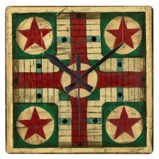 Tablero antiguo del juego de Parcheesi de Ethan Relojes