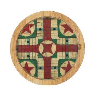 Tablero antiguo del juego de Parcheesi de Ethan