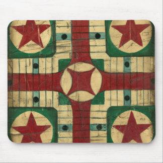 Tablero antiguo del juego de Parcheesi de Ethan Alfombrilla De Ratón