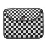 Tablero de ajedrez blanco y negro funda para macbook pro