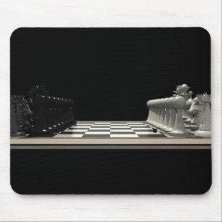 Tablero de ajedrez con los pedazos de ajedrez: Mou Alfombrillas De Ratón