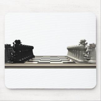 Tablero de ajedrez con los pedazos de ajedrez: mousepad