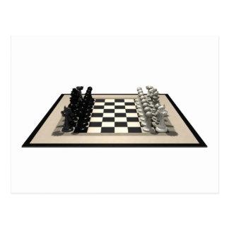 Tablero de ajedrez con los pedazos de ajedrez: postal