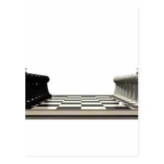 Tablero de ajedrez con los pedazos de ajedrez: tarjetas postales