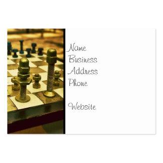 Tablero de ajedrez fresco con las nueces - y - tarjetas de visita grandes