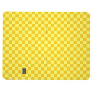 Tablero de damas amarillo de la obra clásica de la cuadernos grapados