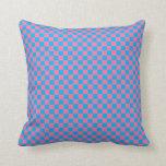 Tablero de damas azul y rosado brillante almohada