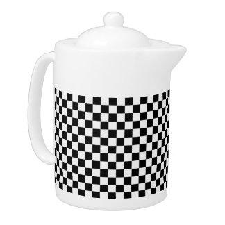 Tablero de damas clásico blanco y negro