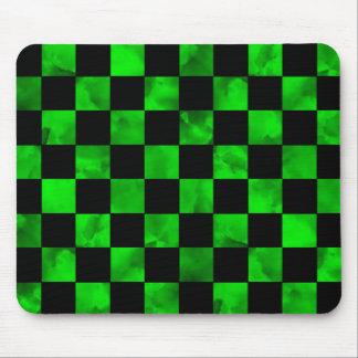 Tablero de damas de mármol verde mouse pads