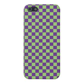 Tablero de damas púrpura y verde iPhone 5 fundas