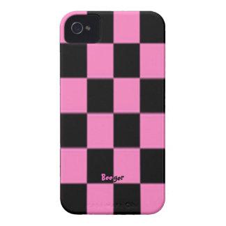 Tablero de damas rosado y negro de la iPhone 4 cárcasa