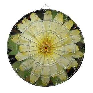 Tablero de dardo amarillo hermoso de la maravilla