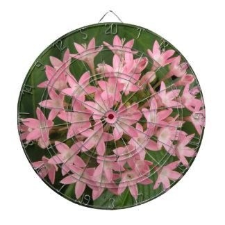 Tablero de dardo tropical rosado bonito de las flo
