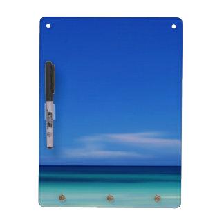 Tablero de mensajes azul del Caribe del horizonte Pizarra Blanca
