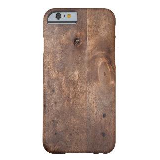 Tablero gastado del pino funda de iPhone 6 barely there