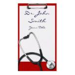 Tablero médico con la tarjeta de visita del
