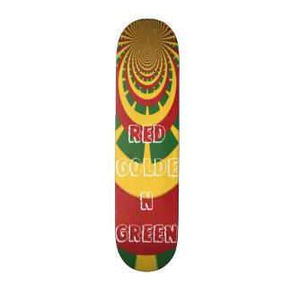Tablero verde de oro rojo del patín de Rasta