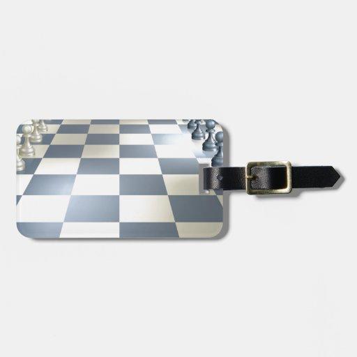 Tablero y pedazos de ajedrez etiquetas de equipaje
