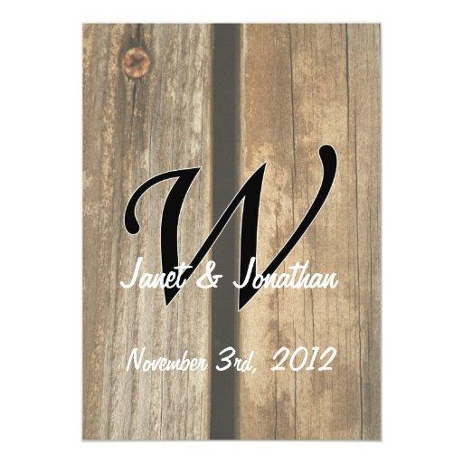 tableros de madera verticales del monograma de w invitación 12,7 x 17,8 cm