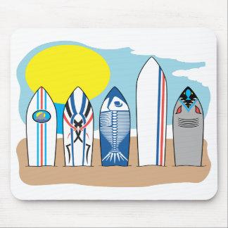 Tableros de resaca en la playa alfombrillas de ratones