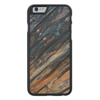 Tableros remendados funda de iPhone 6 carved® slim de arce