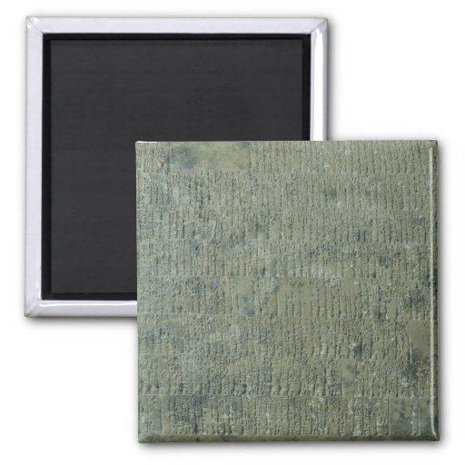 Tableta con la escritura cuneiforme imán
