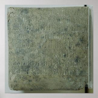 Tableta con la escritura cuneiforme póster
